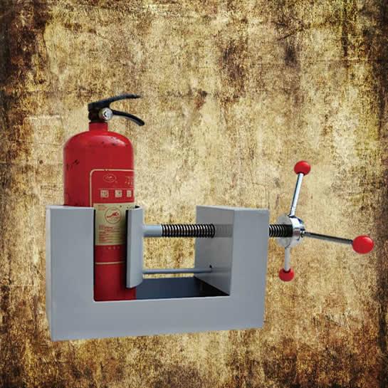 Extinguisher disassembly station manual type